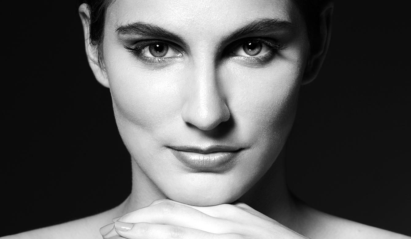 как сделать выразительные глаза в чб фотографии привлекает
