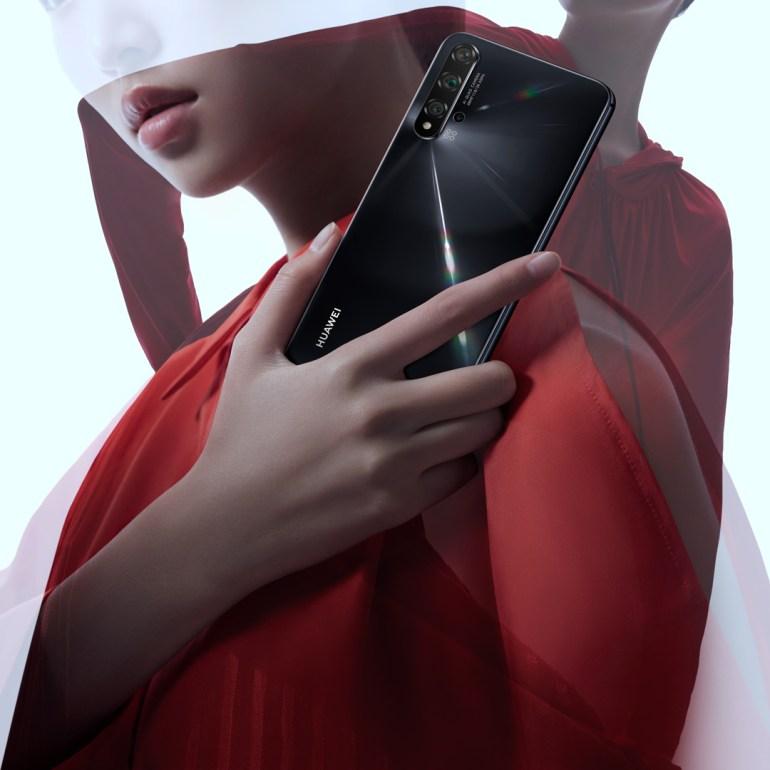 Huawei nova 5T в Украине: бюджетный флагман