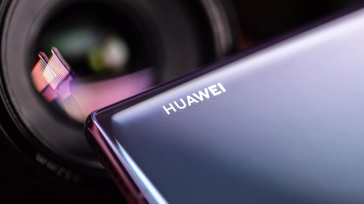 Huawei P40: флагман без Андроид, зато по китайской цене