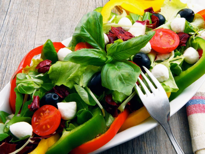 Топ рецептов весенних витаминных салатов